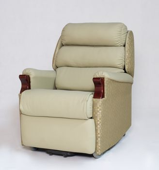 B24 Lift Chair