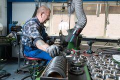 Armon Edero Support Arm Welding Work